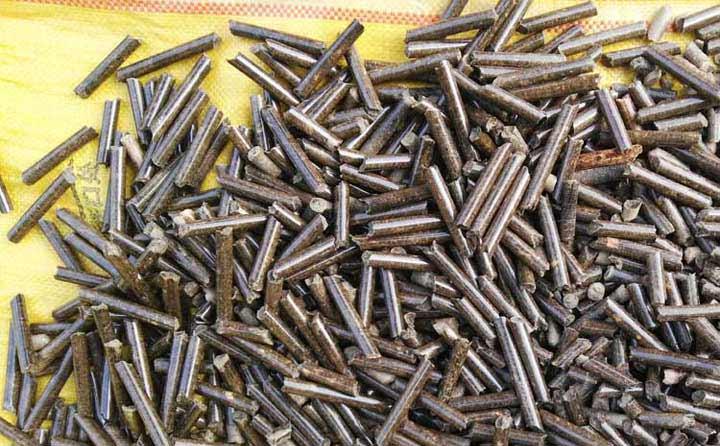 木屑颗粒机生产的颗粒实拍