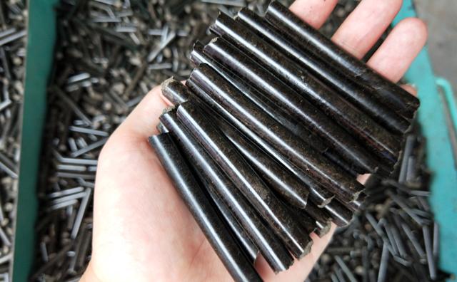 木屑颗粒机木屑颗粒图